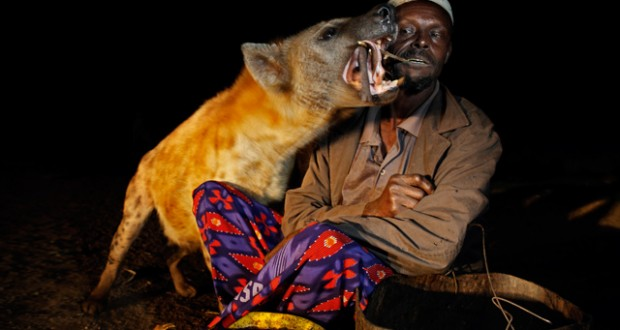 Ethiopia: The hyena men of Harar