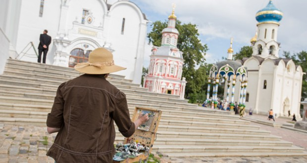 An artist at work at Trinity Lavra of St Sergius monastery. Image: Daniel Allen