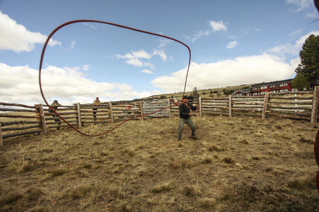 Gaucho Christian shows off his lassoing skills. Credit: Christopher Toothman, courtesy of Senderos Patagonia
